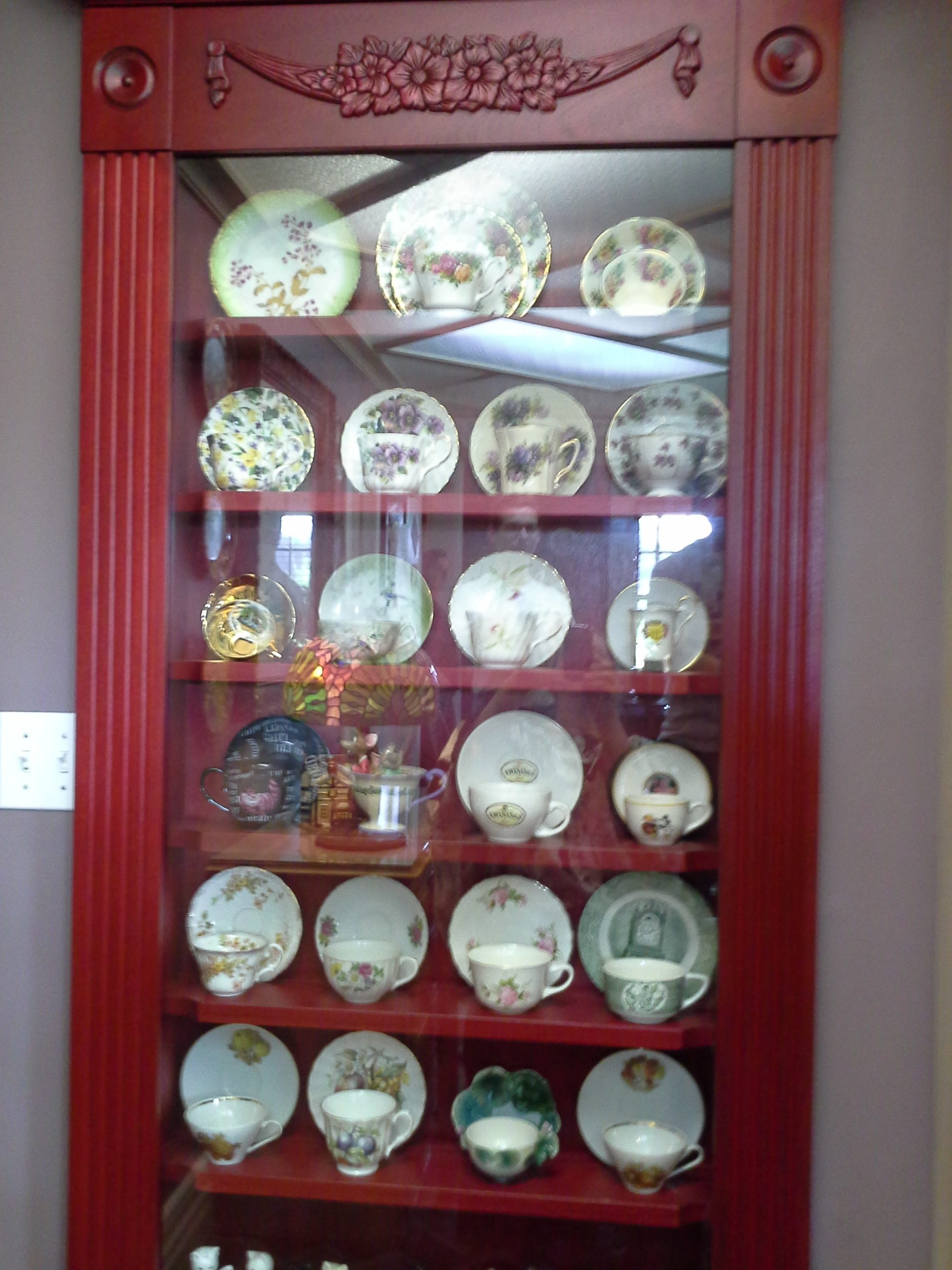 red display cabinet2