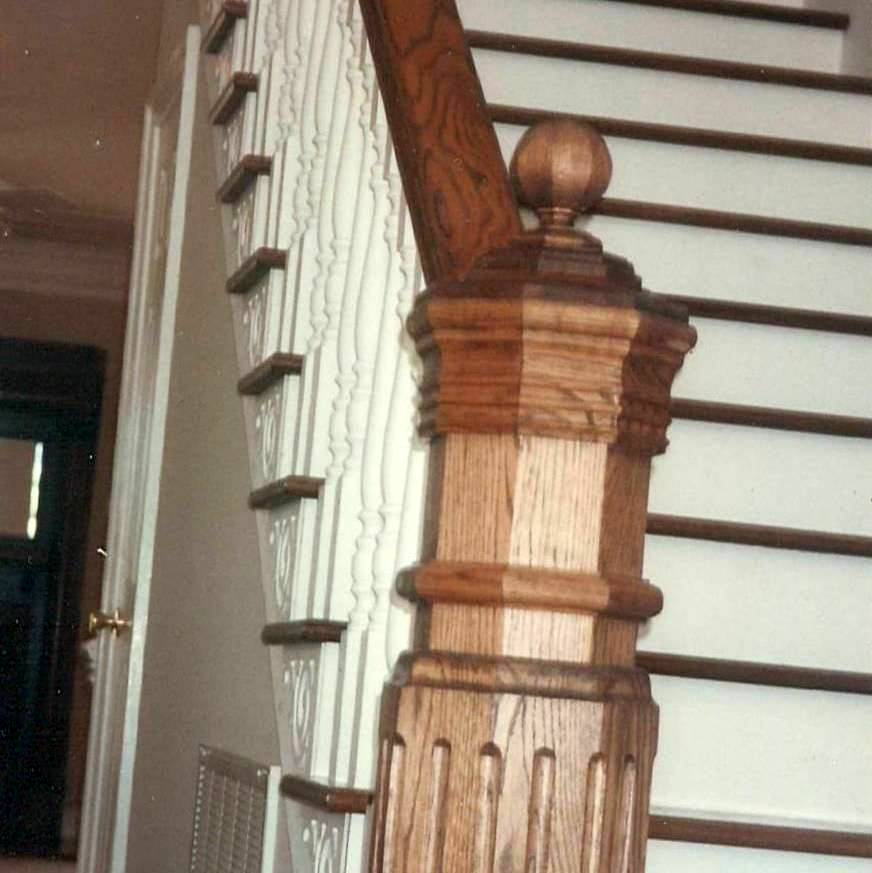 octaginal newel